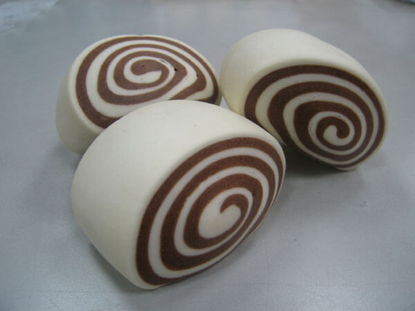 bicolored mantou made by bicolored mantou machine