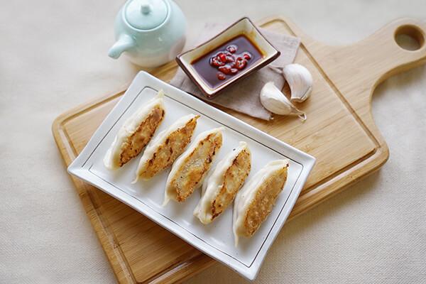 煎餃 multipurpose dumpling forming machine for potsticker, gyoza and pan fried dumpling