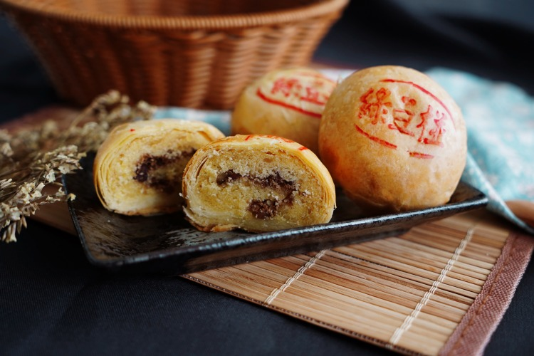 綠豆椪 mung bean pastry mooncake machine